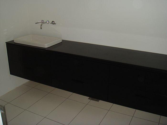 Exclusivt Møbel til Badet, underskabe med håndvask