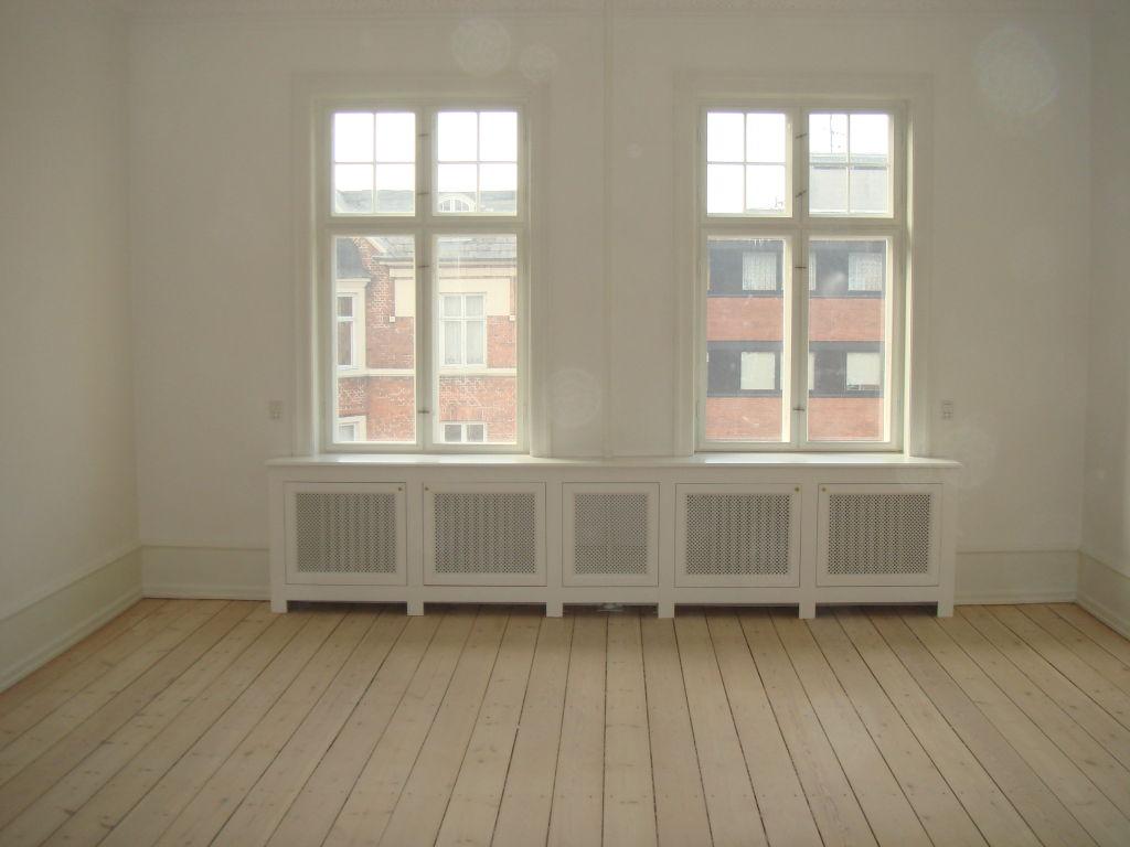 RadiatorSkjulere i MDF i en Lejlighed